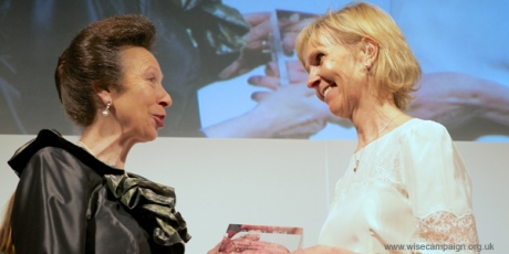 Dr Julie Barnes receives WISE award from HRH Princess Royal