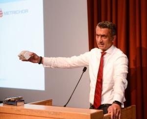 Dr Gordon Sanghera